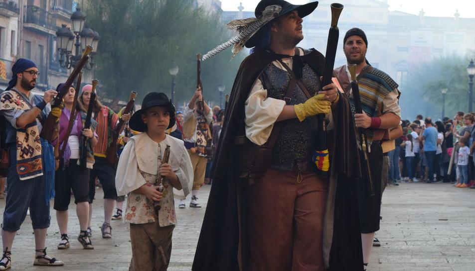 El Seguici de Tarragona camino a la procesión de Santa Tecla.