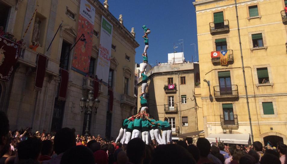Pilar de 7 amb folre dels Castellers de Sant Pere i Sant Pau a la diada de Santa Tecla.
