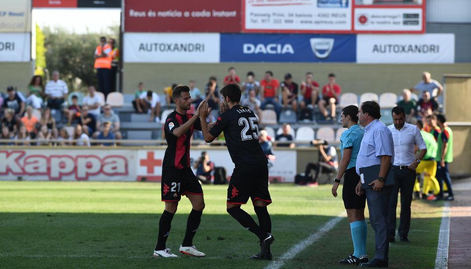 Dejan Lekic entra al terreny de joc en substitució de Máyor, en el partit de dissabte contra l'Osasuna a l'Estadi Municipal.