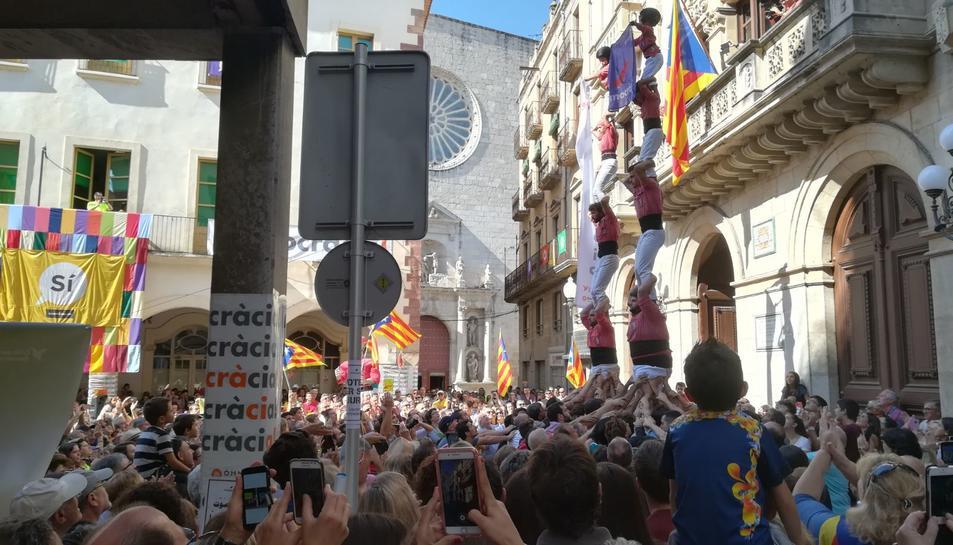 La Colla Vella ha alçat dos pilars durant l'acte.