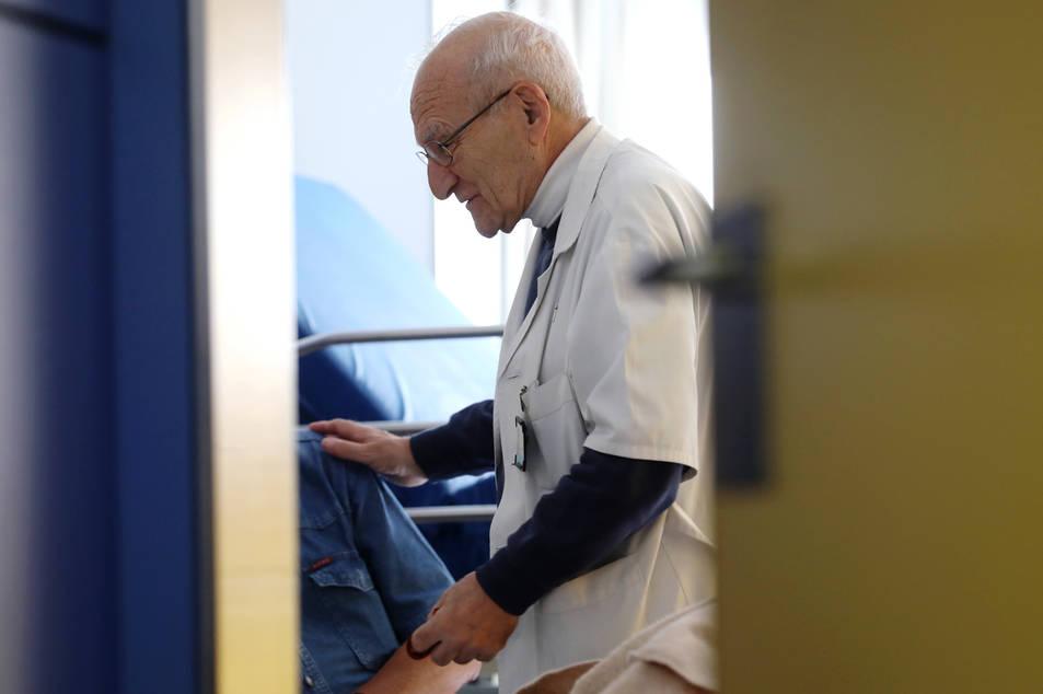 Fort visitant a una pacient de la sisena planta aquesta darrera setmana.