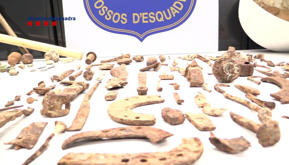 Objectes sostrets sense autorització del jaciment.