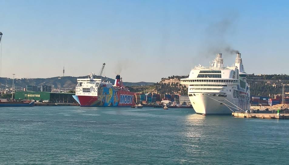 Els estibadors barcelonins van decidir no operar als vaixells que acullen policia estatal.