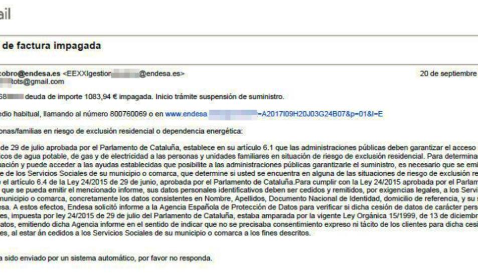 Imatge del correu fraudulent que reclama a l'usuari un import d'una factura d'Endesa sense pagar.