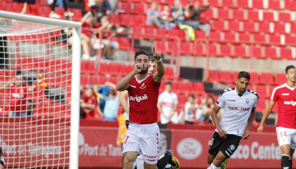 Imatge de  celebrant un gol al Nou Estadi.
