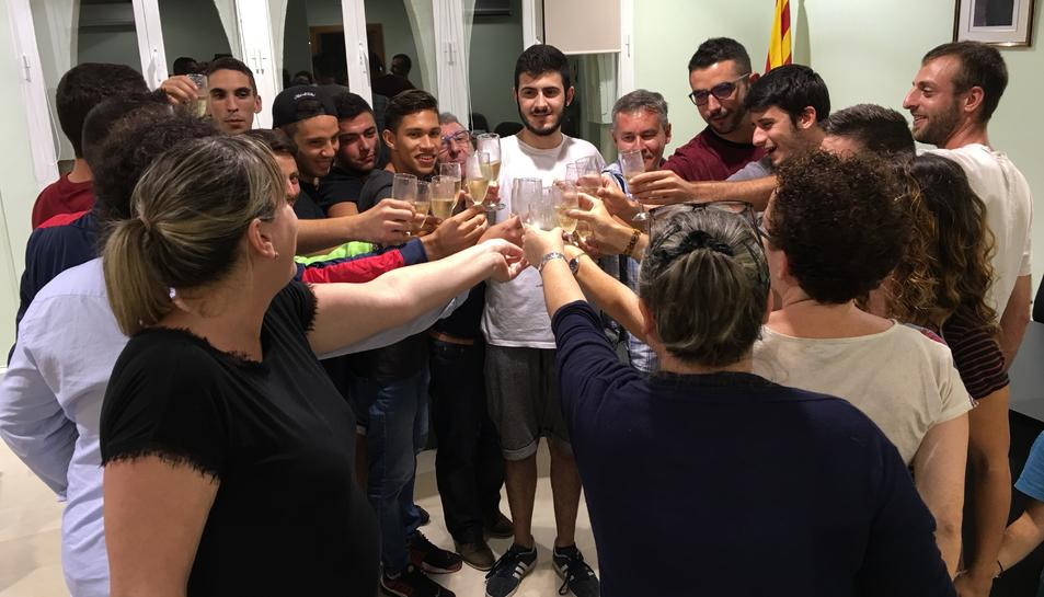 Recepció dels jugadors de la Juventut Bisbalenca a l'Ajuntament.
