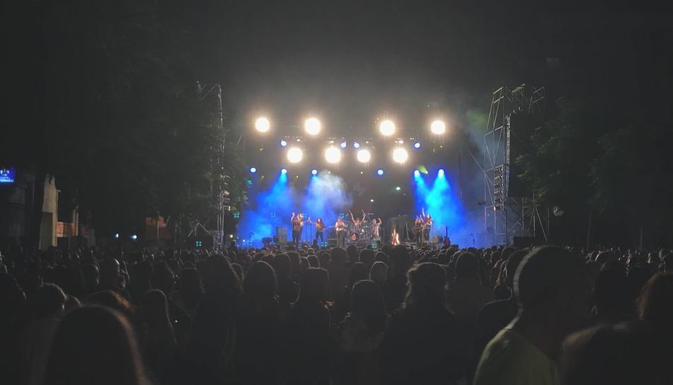 El concert de Roba Estesa es va celebrar a Vidal i Barraquer enlloc de la plaça de la Font.