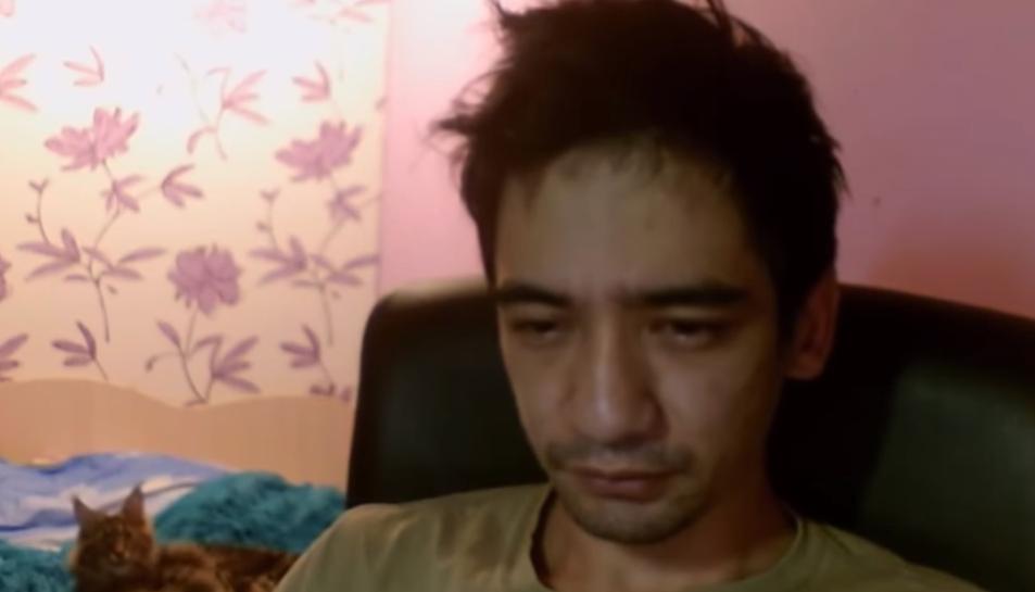 Arslán Valéyev durant la retransmissió en directe per YouTube del seu suïcidi.