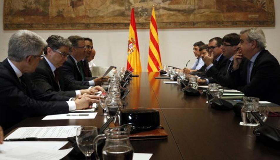 Reunió de la Junta de Seguretat de Catalunya, encapçalada pel president de la Generalitat, Carles Puigdemont, amb el ministre de l'Interior, Juan Ignacio Zoido i altres autoritats, el 10 de juliol del 2017.