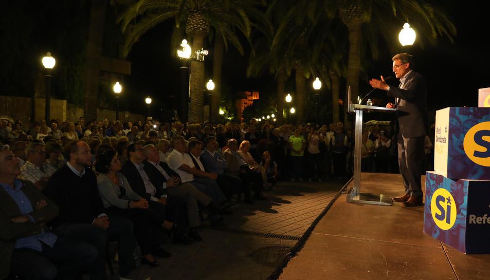 Un moment de la intervenció de l'expresident Mas al passeig de les Palmeres.