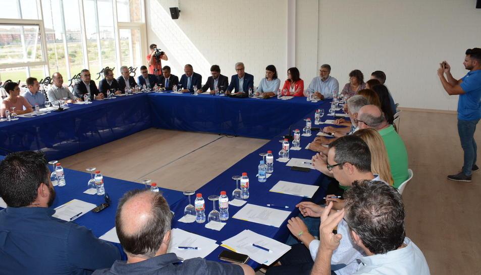 Reunió d'aquest matí d'alcaldes i consellers de les ciutats seu dels Jocs Mediterranis.