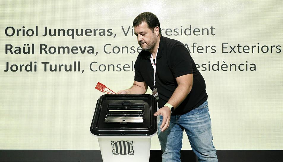 Imatge de l'urna que aquest divendres han presentat des de la GEneralitat.