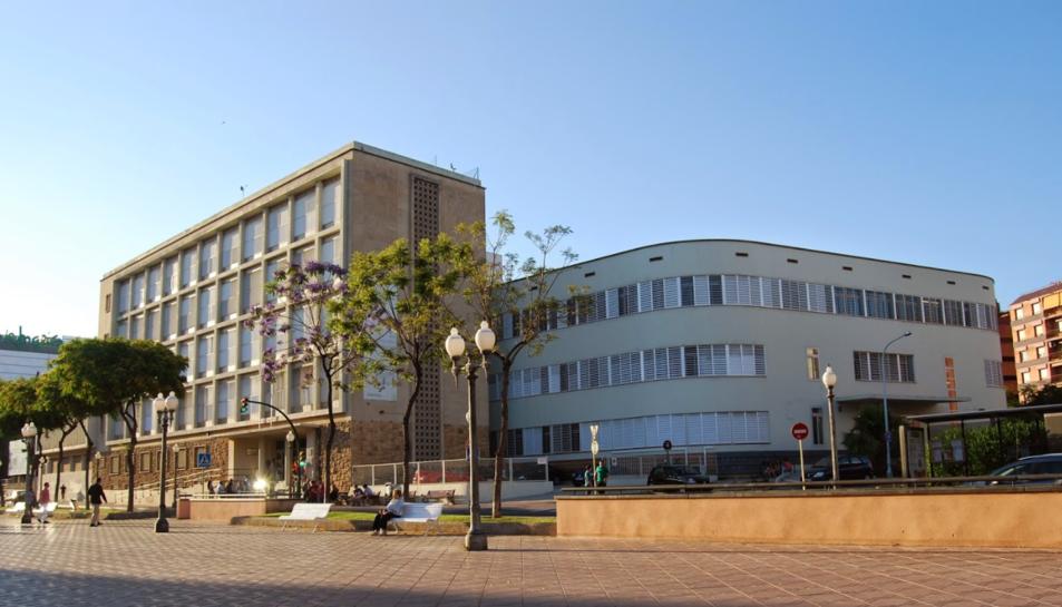 L'Institut Vidal i Barraquer havia de ser un dels col·legis electorals.
