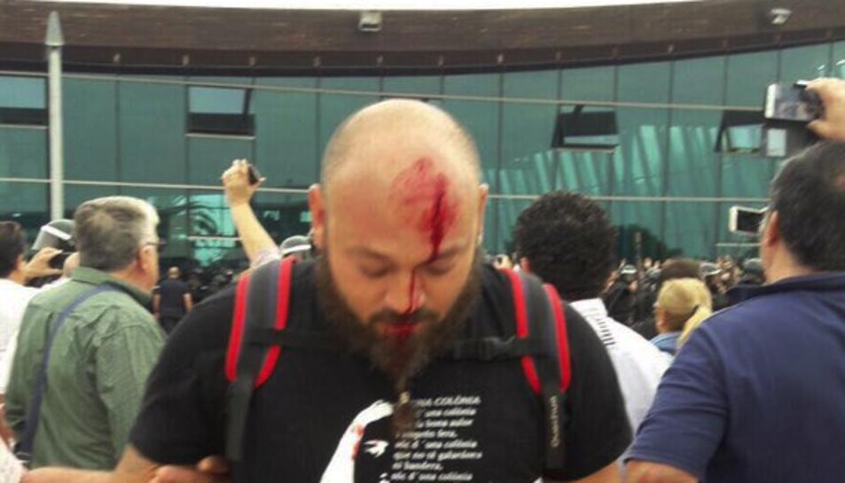 Imatge d'una persona ferida a Sant Carles de la Ràpita.