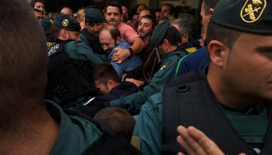 Imatge de la càrrega policial a Sarral.