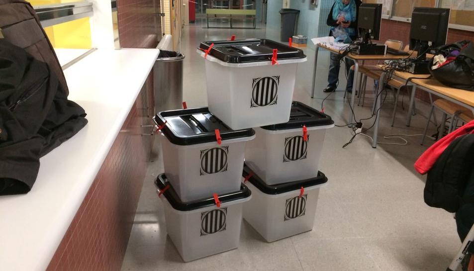 Les urnes, al Institut Sant Pere i Sant Pau de Tarragona.