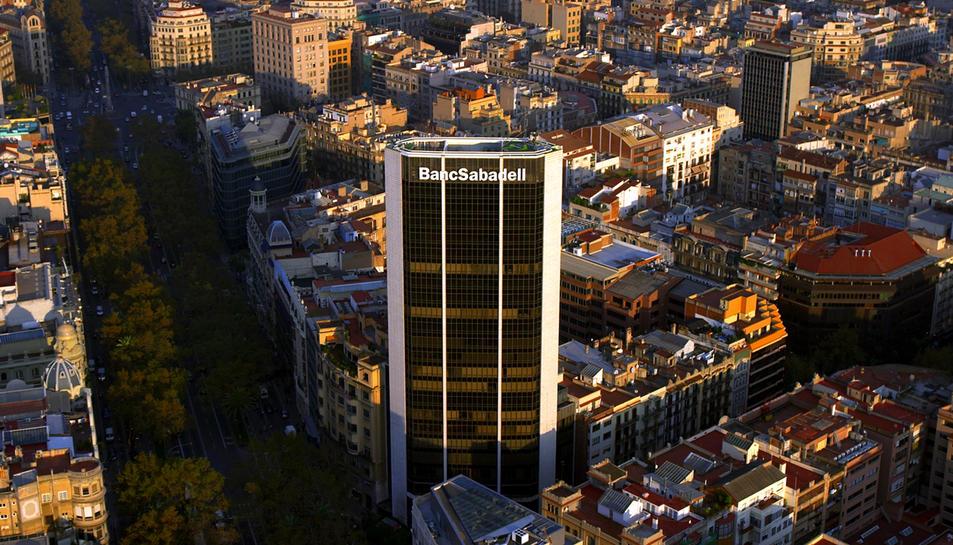 Imatge de la Torre del Banc Sabadell a Barcelona, seu corporativa de l'entitat.