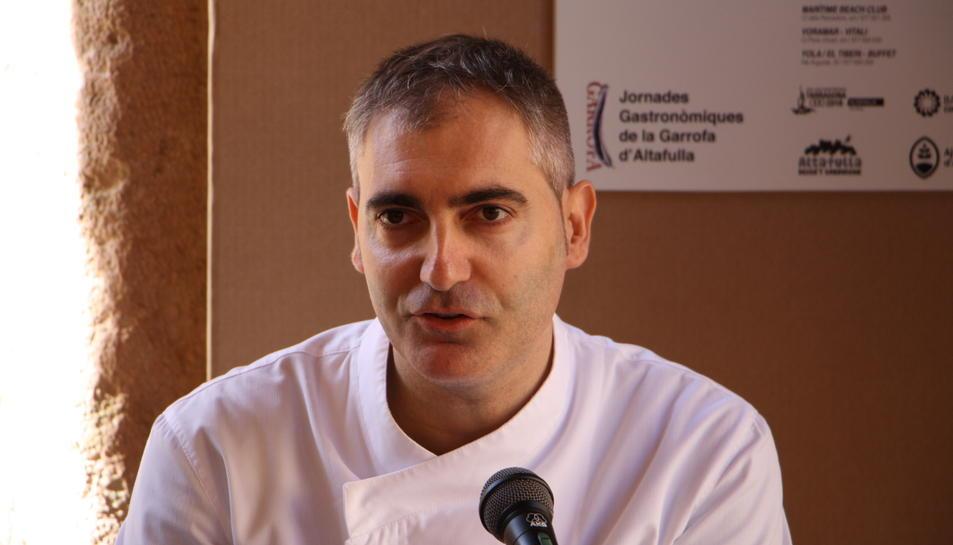 El cuiner calafellenc, Jordi Guillem, durant la presentació de les jornades.