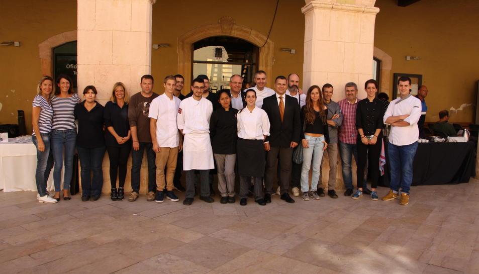 El regidor de Comerç, Jaume Sánchez, i el xef Jordi Guillem, a la presentació de les X Jornades Gastronòmiques d'Altafulla