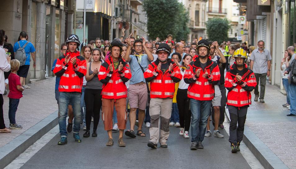 Una marea va passar per davant del Gaudí, pel matí a crits, i per la tarda en un silenci sepulcral.