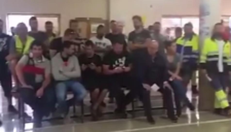 Imatge del vídeo penjat pels estibadors.