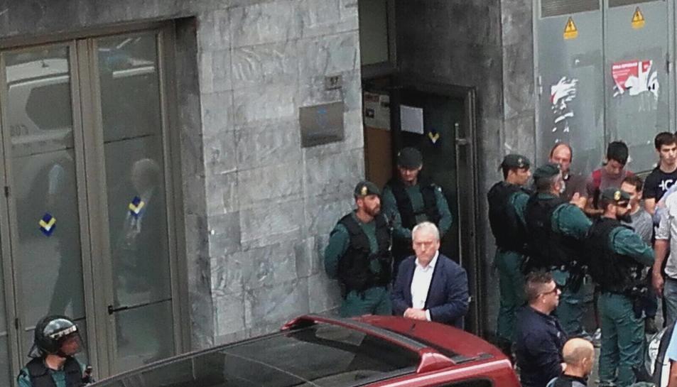 Josep Poblet, a la imatge, amb els efectius de la policia estatal.