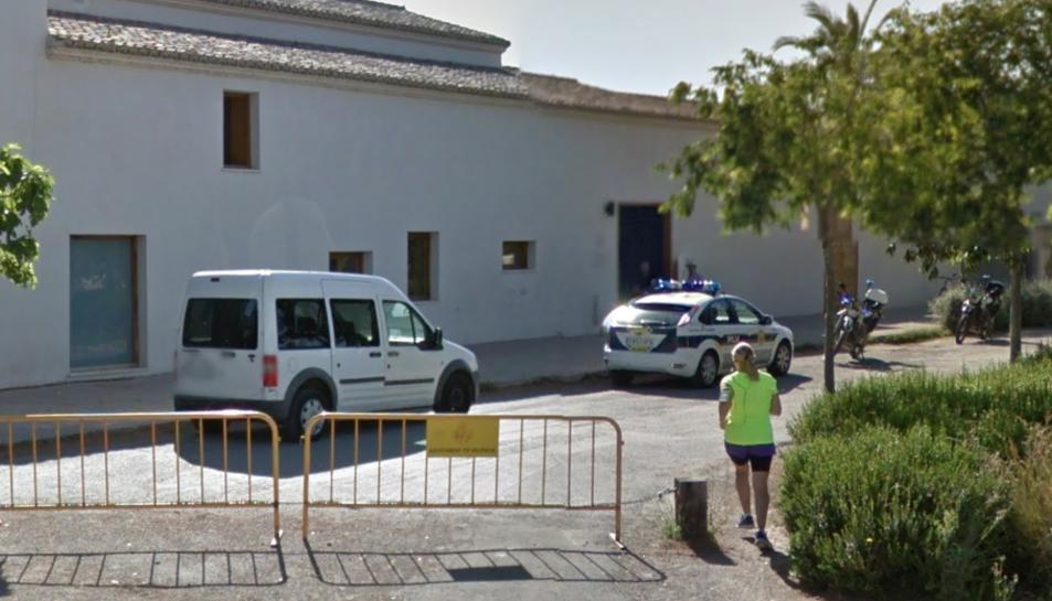Imatge de l'exterior de la Policia Local del barri Campanar de València.
