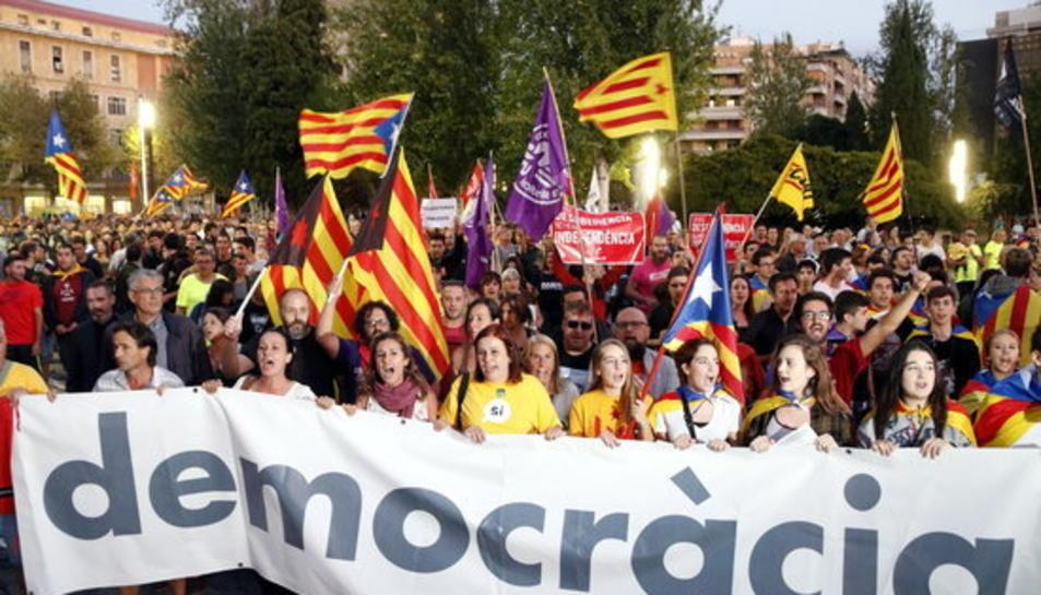 Pla general de la manifestació a la Rambla Nova de Tarragona el 20 de setembre del 2017.