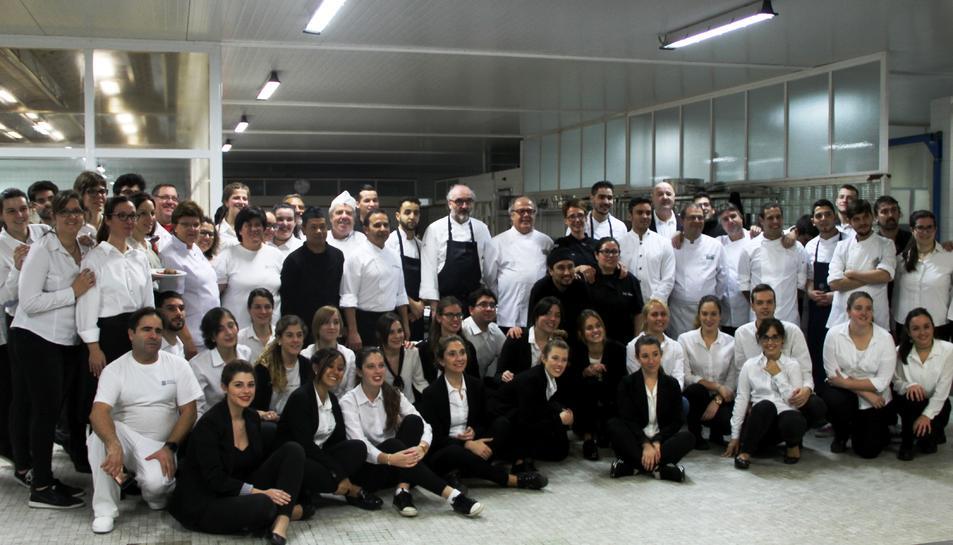 Cuiners i voluntaris al sopar del 2016.