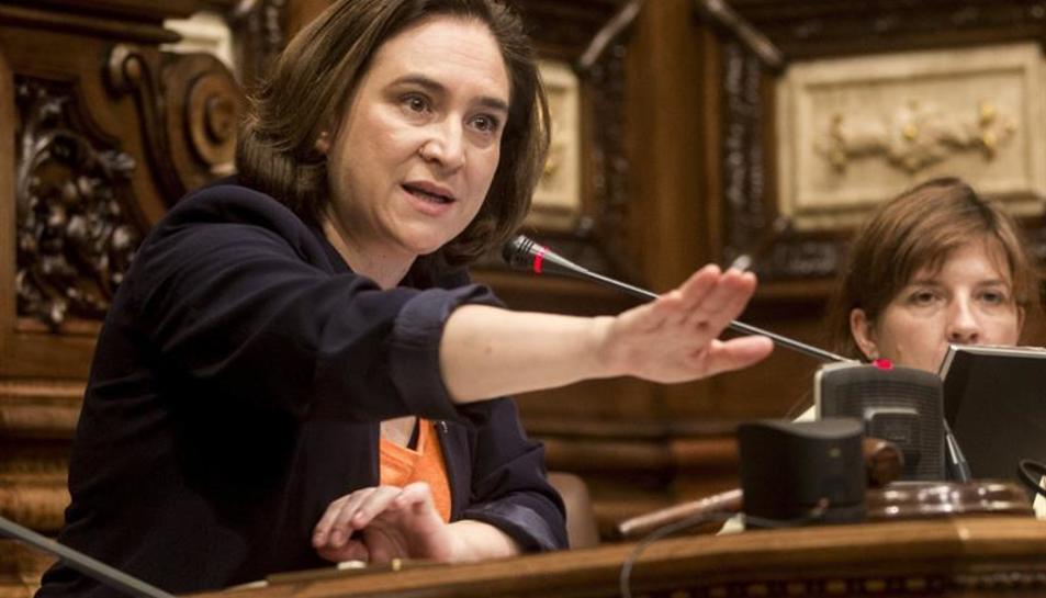 L'alcaldessa de Barcelona, Ada Colau, aquest al ple de l'Ajuntament de Barcelona, aquest 6 d'octubre.