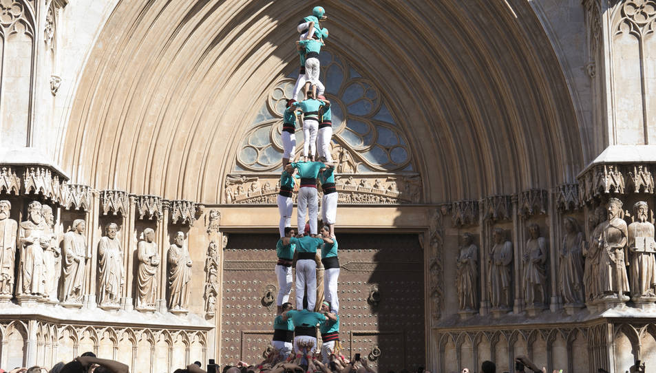 3de8 dels Castellers de Sant Pere i Sant Pau al Pla de la Seu.