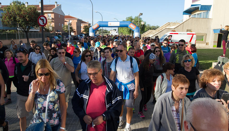 M s de 450 reusencs caminen per la integraci de malalts - Pavello olimpic reus ...