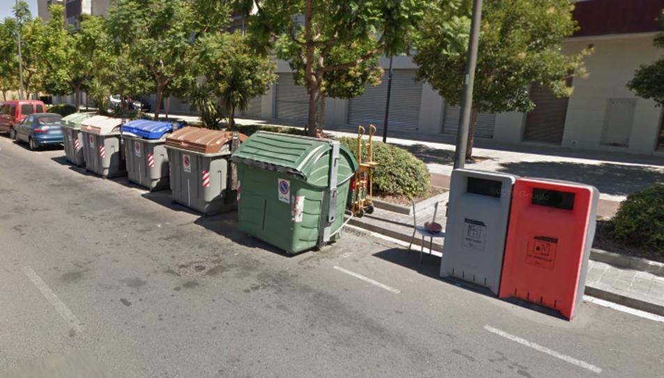 En total s'han vist afectats cinc contenidors.