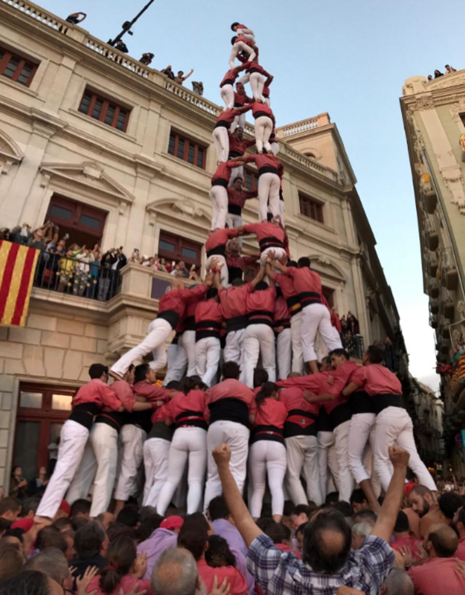 4de10fm de la Colla Vella dels Xiquets de Valls a la Diada del Mercadal.