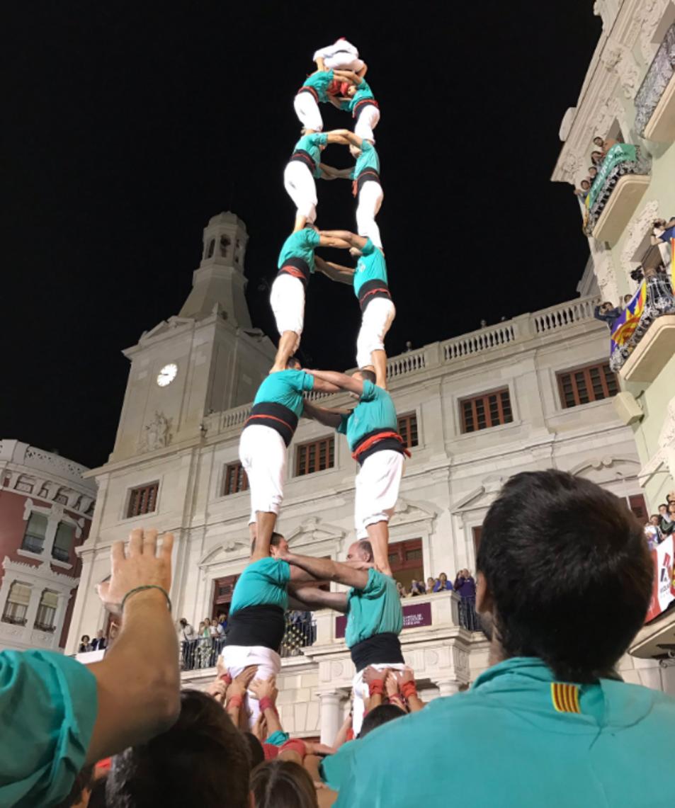 2de8 sense folre dels Castellers de Vilafranca a la Diada del Mercadal.
