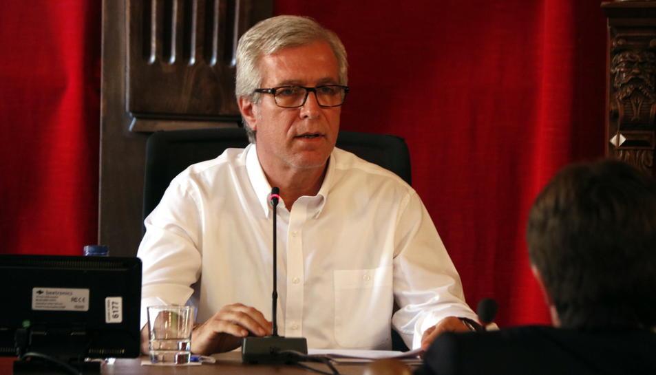 Pla mig de l'alcalde de Tarragona, Josep Fèlix Ballesteros, durant el ple de l'Ajuntament del 9 d'octubre del 2017