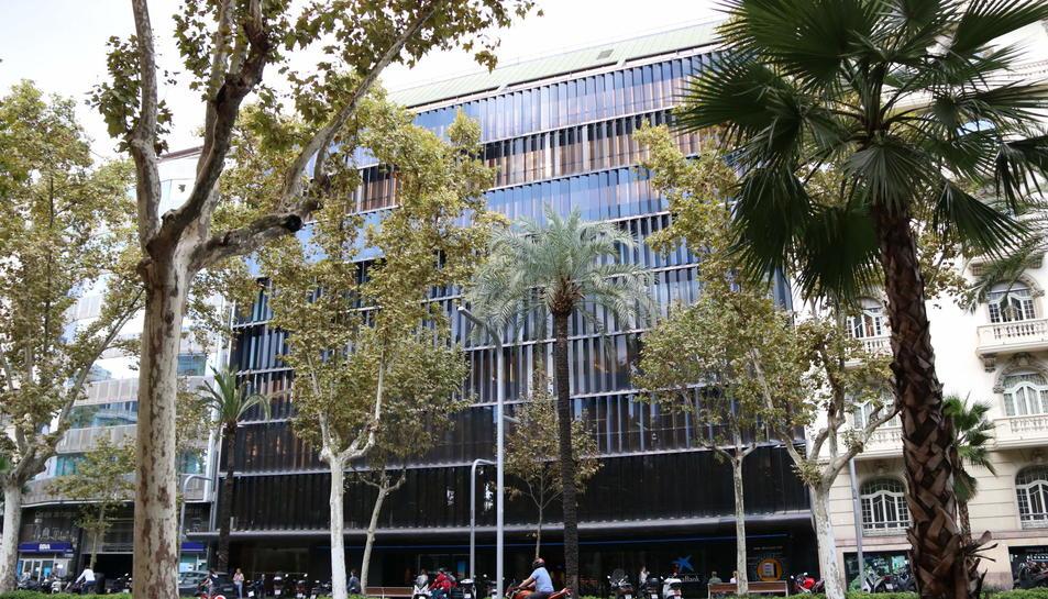 Imatge de la façana de la seu de Colonial a l'Avinguda Diagonal de Barcelona.