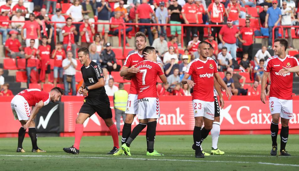 Els jugadors del Nàstic celebren un dels gols anotats contra l'Albacete al Nou Estadi aquesta temporada. Avui volen continuar celebrant.
