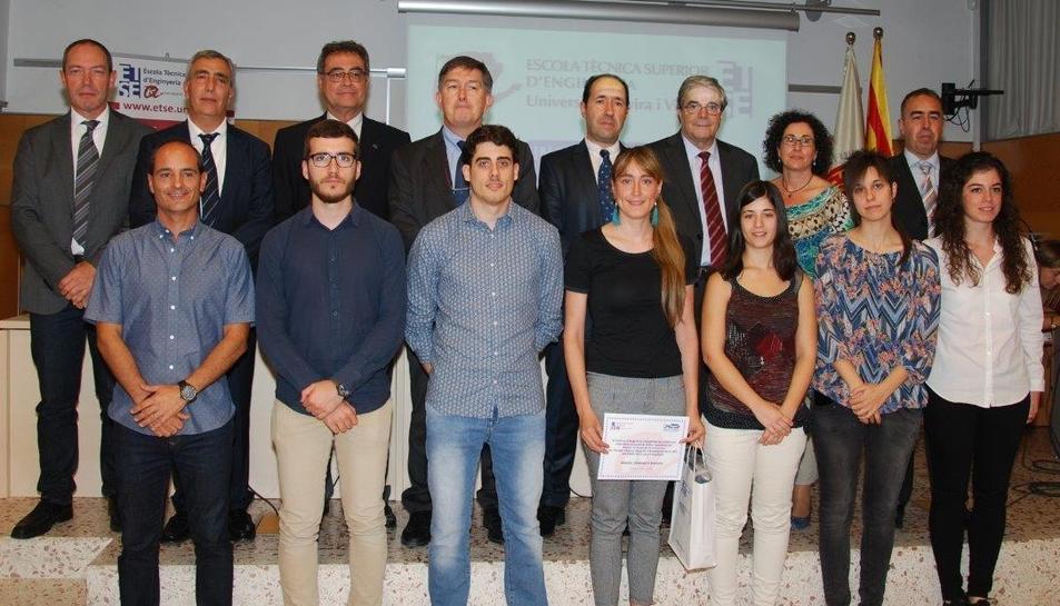 Estudiants premiats dels diversos ensenyaments de l'ETSE del curs 2015-16.
