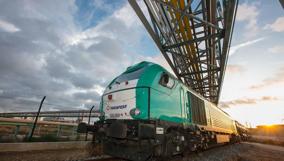 L'arribada del primer tren al nou hub logístic de Covestro de Tarragona.