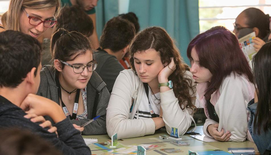 Una dotzena d'escoles tarragonines acullen els nous tallers sobre energia de Fundación Repsol.