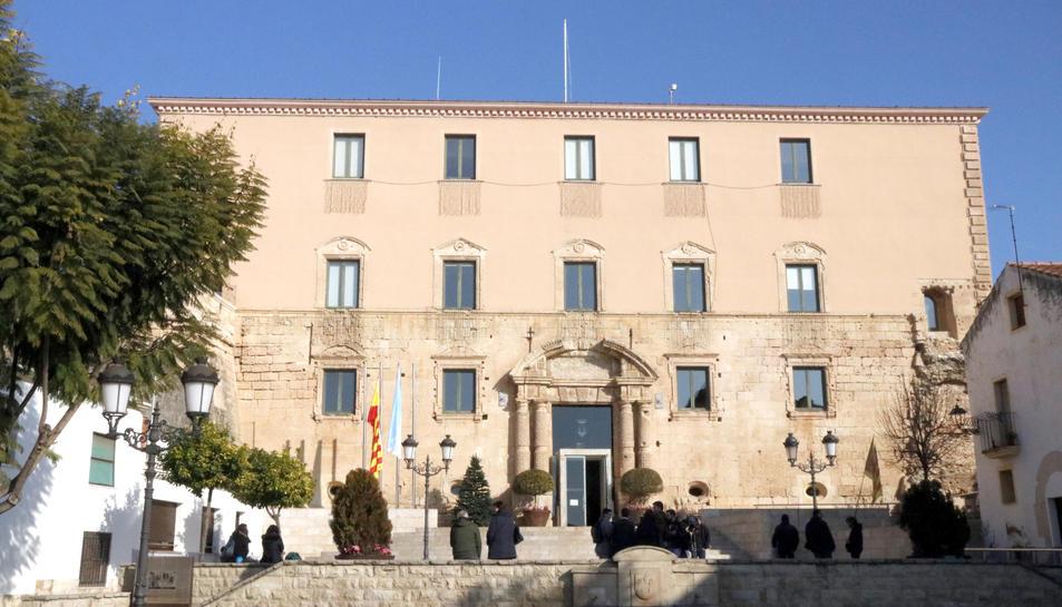 Imatge de la façana de l'Ajuntament de Torredembarra.
