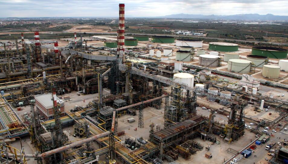 Imatge aèria del Complex Industrial de Repsol a Tarragona.
