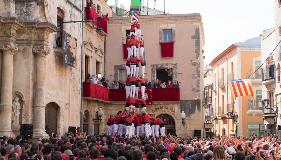 4de9 amb folre dels Nens del Vendrell a la diada de Santa Teresa del Vendrell