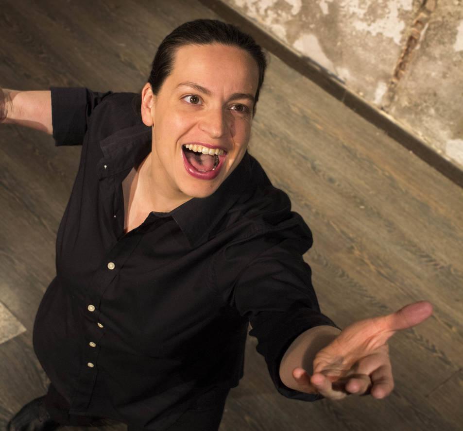 L'actriu Eugenia González La Rosa en un moment del monòleg Dios. La Comedia.