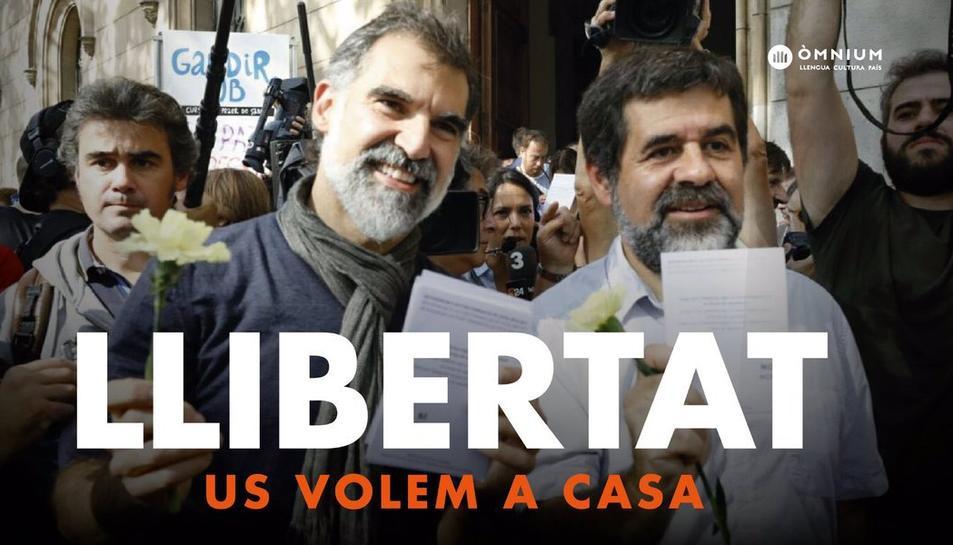 Cartell que reclama la llibertat pels dos dirigents del moviment independentista.