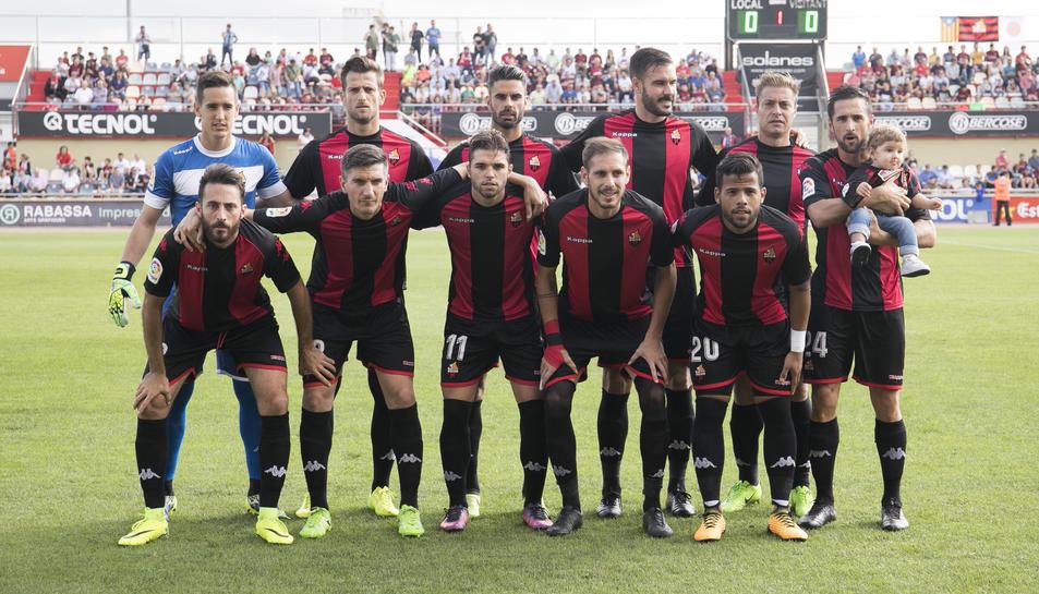 L'onze que va presentar el CF Reus durant el darrer partit de de Lliga, diumenge, amb el Rayo Vallecano com a rival.