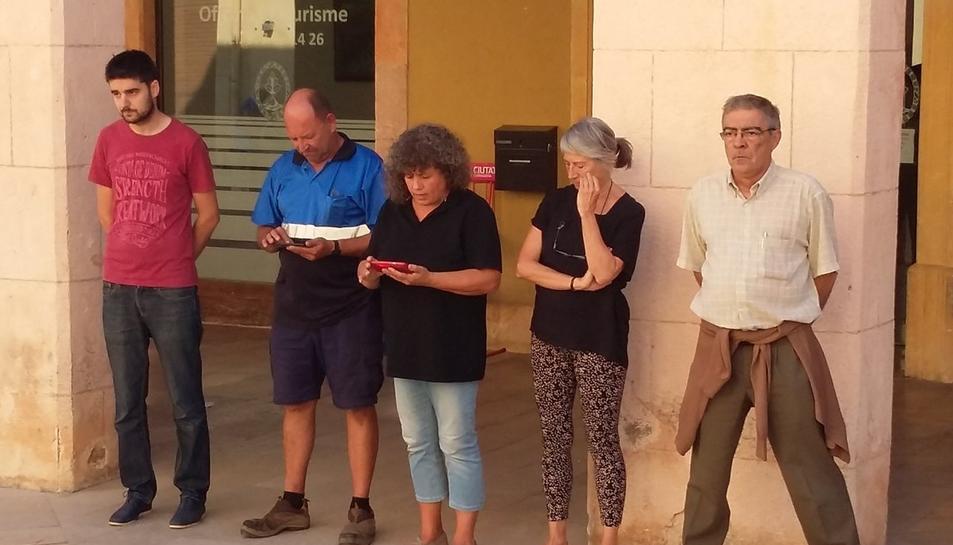 Concentraciones en Ayuntamientos e instituciones en apoyo a Sànchez y Cuixart