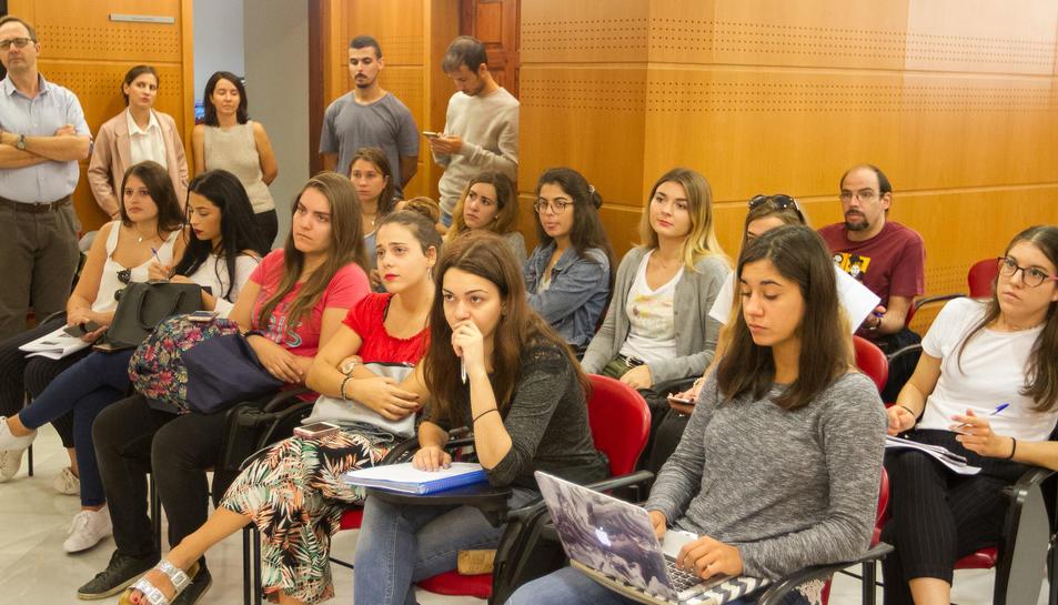 Alumnes en pràctiques a la roda de premsa de l'Ajuntament de Reus
