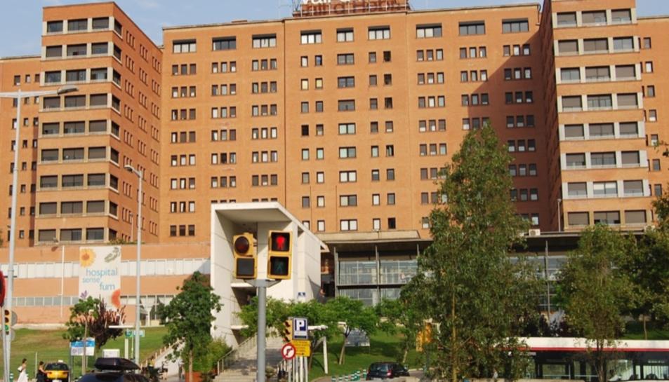 La façana de l'Hospital Vall d'Hebron